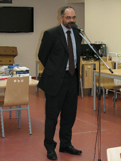 Na úvodní slovo M. Stehlíka navázal proděkan FF UK pro rozvoj Jiří Gregor
