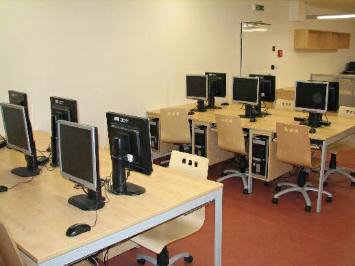 Technické vybavení v počítačové studovně