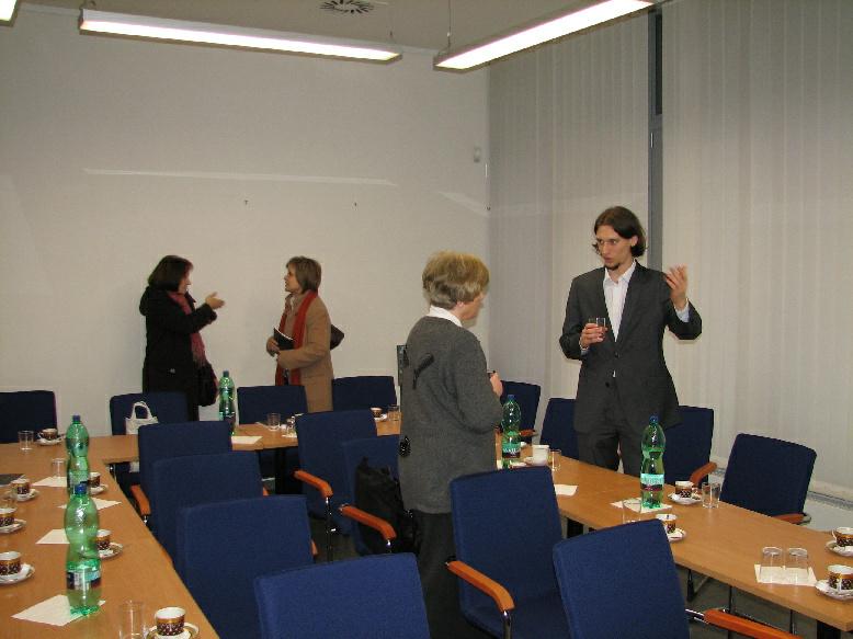 Diskuse mezi účastníky