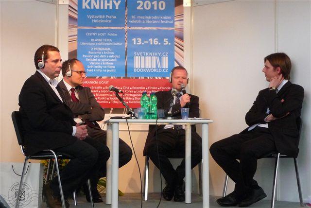 Diskuze o vztahu Polska ke Spojeným státům americkým