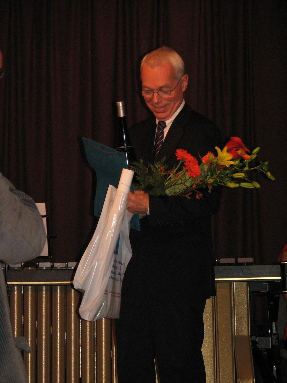Hlavní cenu za významný počin a také diplom převzal Martin Svoboda, ředitel Národní technické knihovny