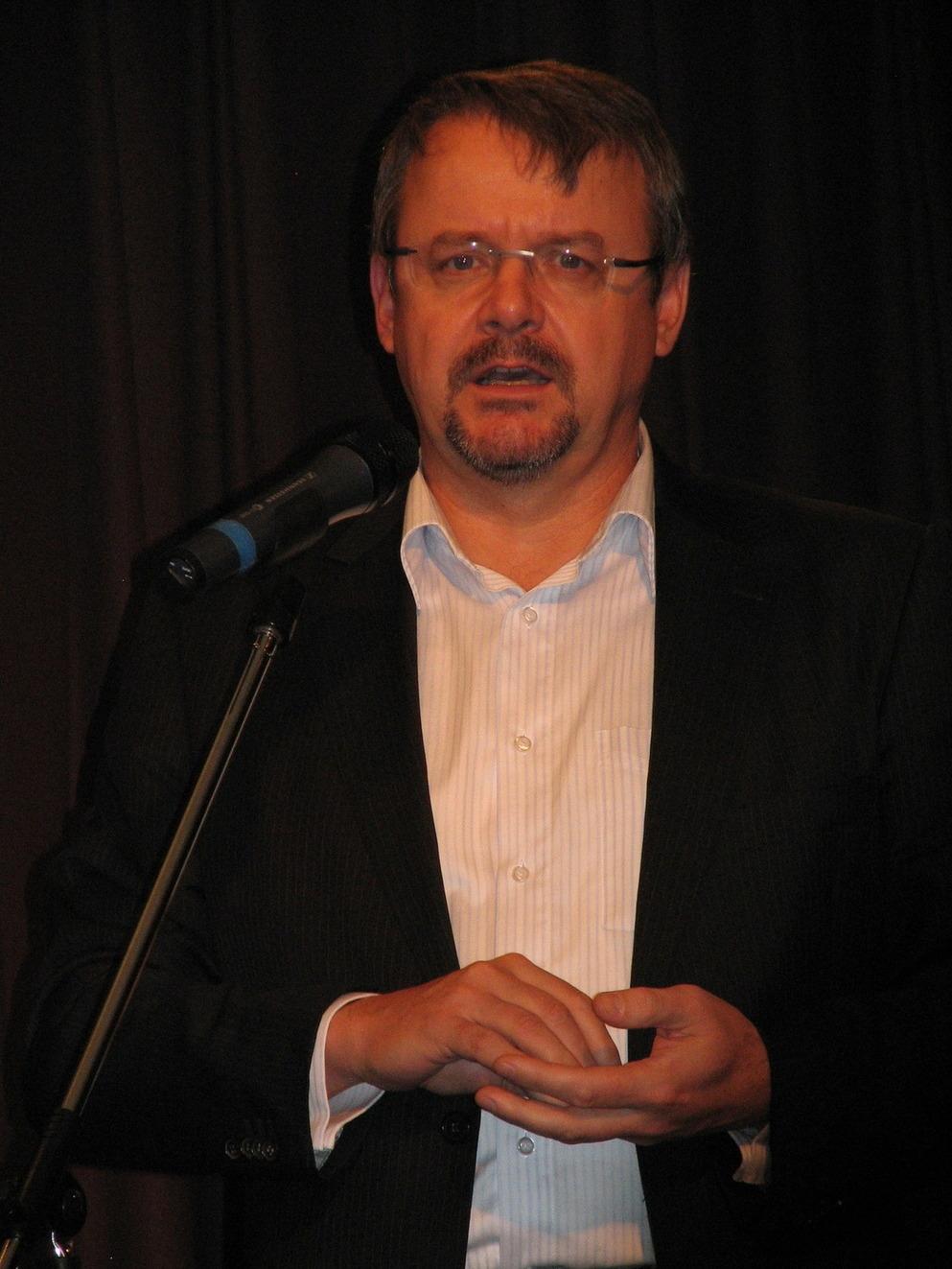 Cenu Městská knihovna roku 2010 uvedl Dan Ťok, generální ředitel a předseda představenstva Skanska a.s.