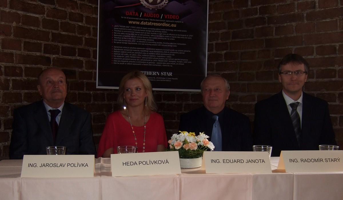 Zástupci společnosti Northern Star (J. Polívka, H. Polívková a R. Starý) a exministr financí Eduard Janota