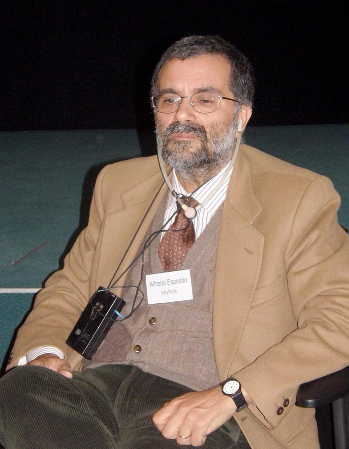 Klíčový řečník A. Espozito