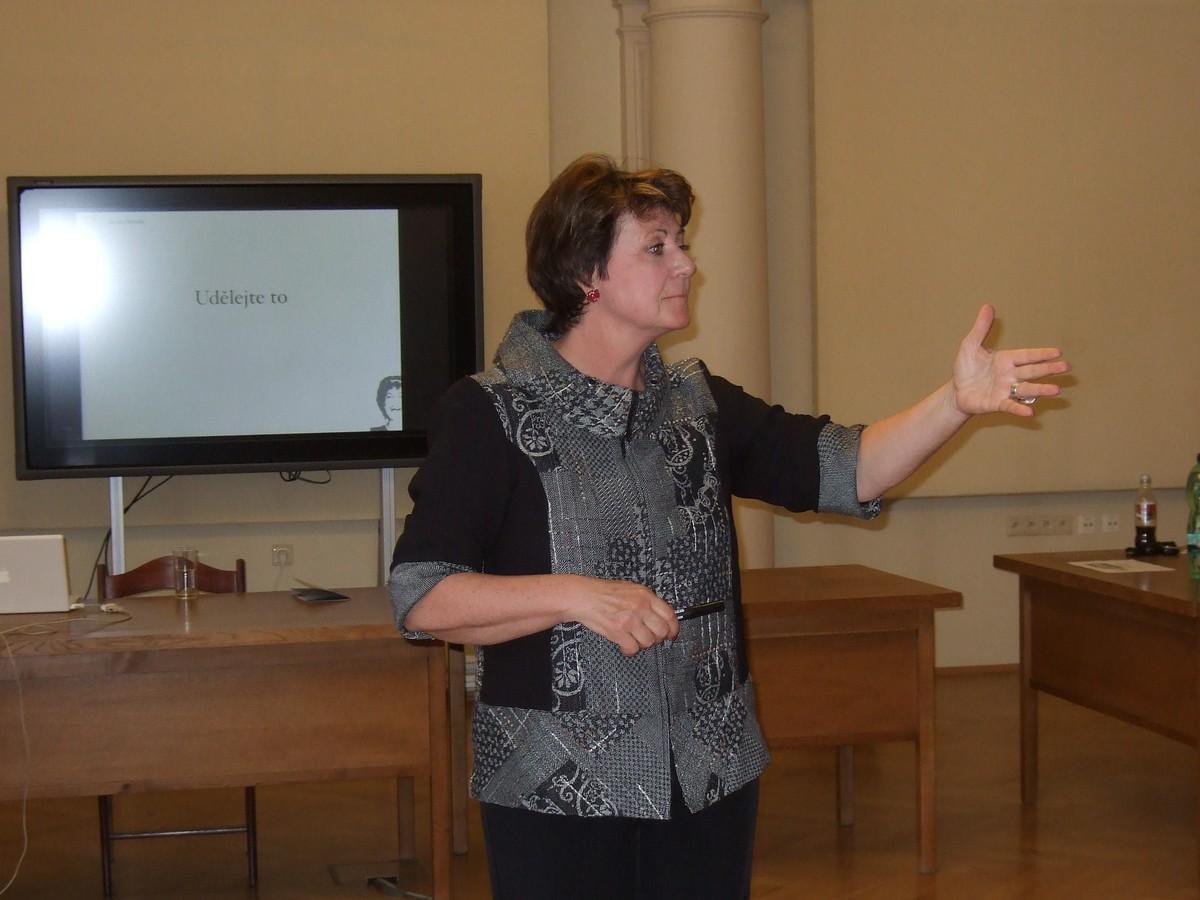 Přednášející Zuzana Helinsky