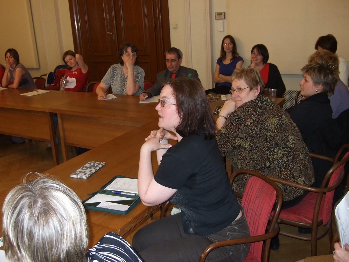 Účastníci workshopu v diskuzi