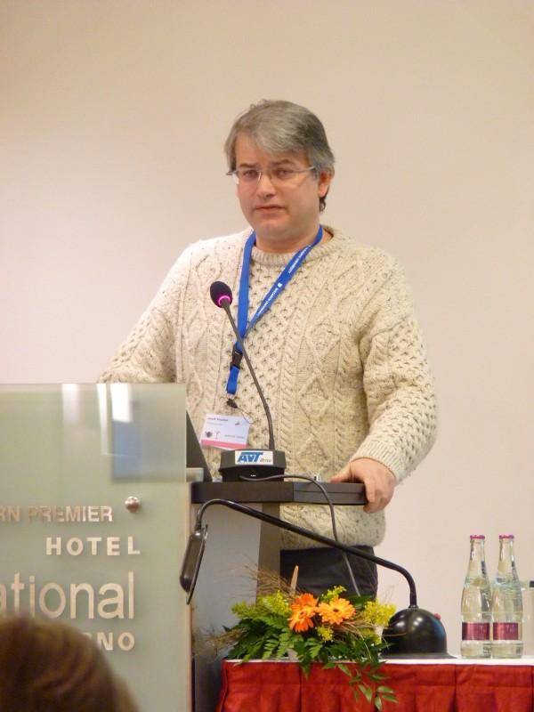 Dominique Archambault během přednášky