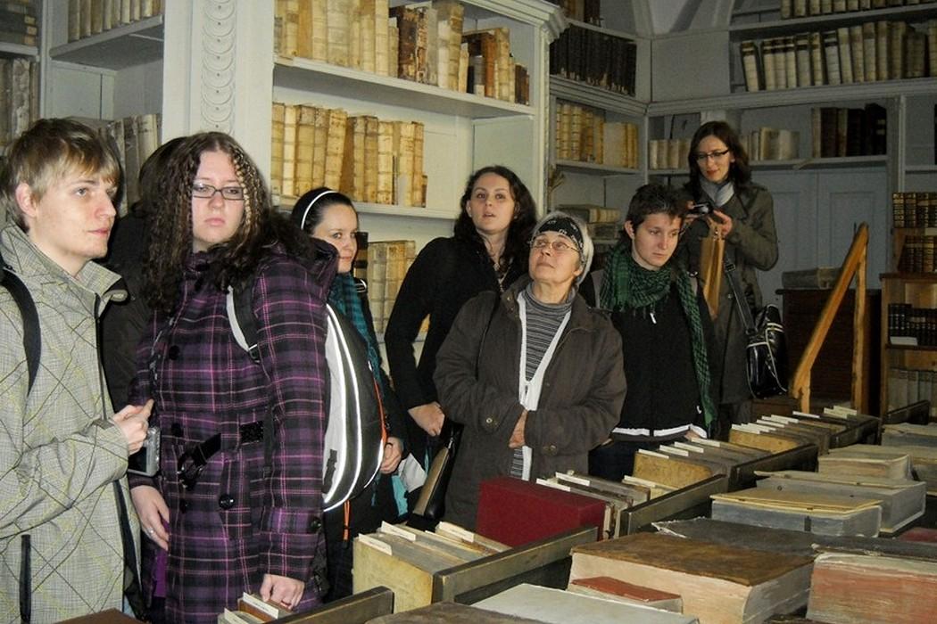 V labyrintu pasovské jezuitské knihovny