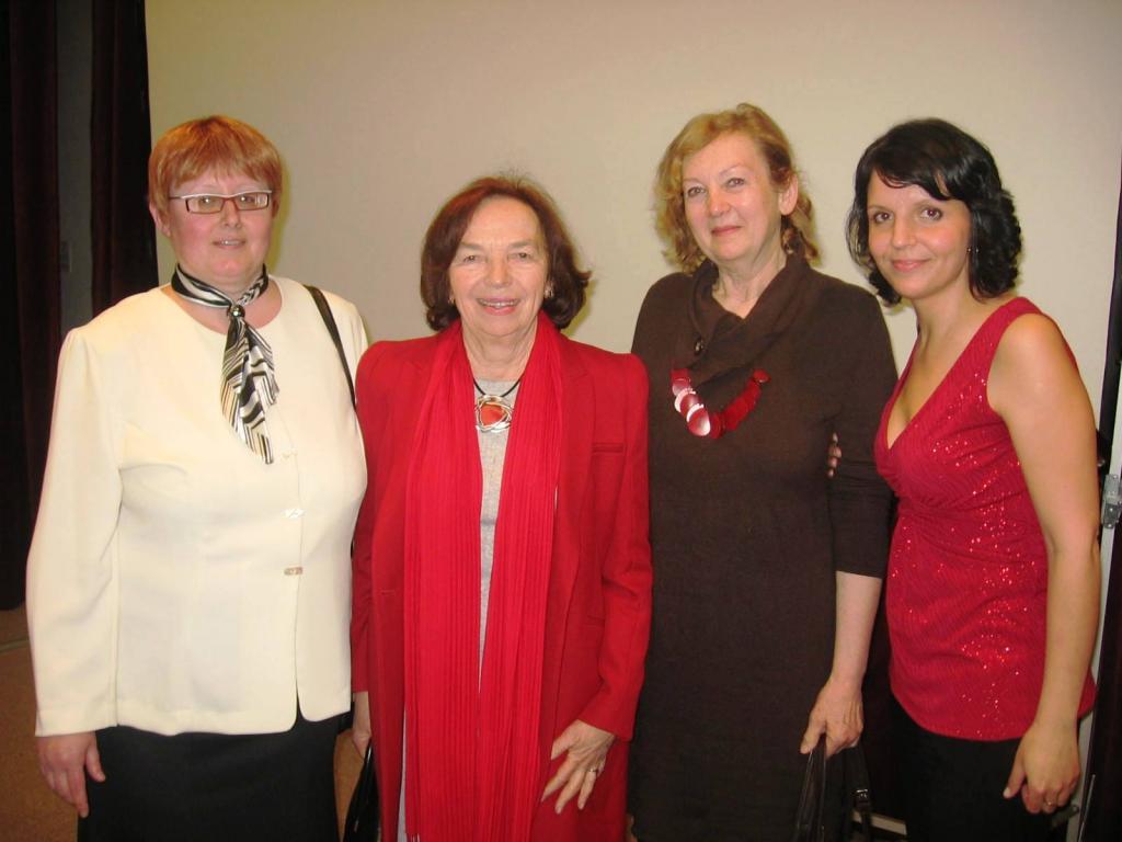 Skupinové foto s první dámou Livií Klausovou