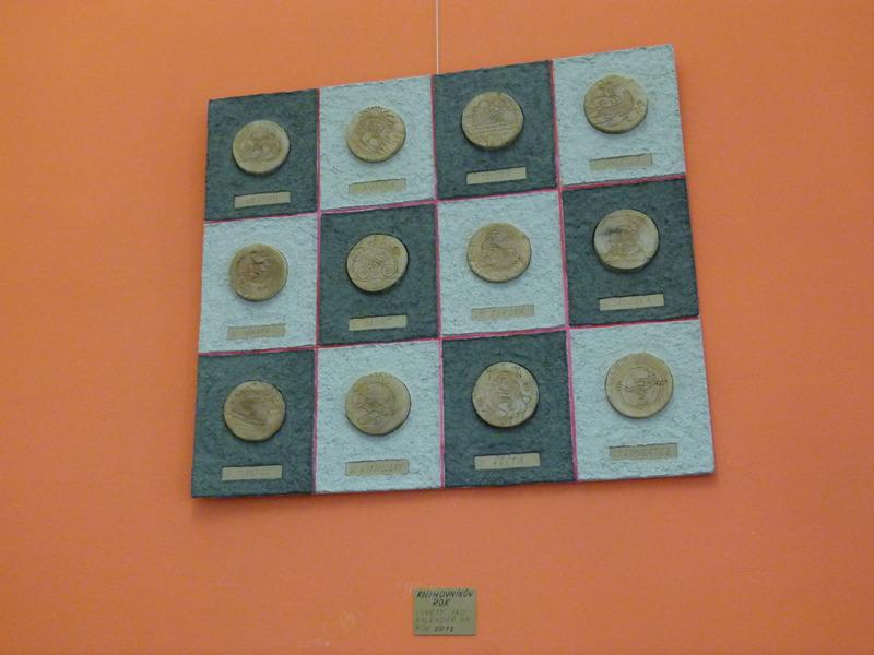 Knihovníkův rok, jedno z děl Tomáše Perglera vystavených v Klubu