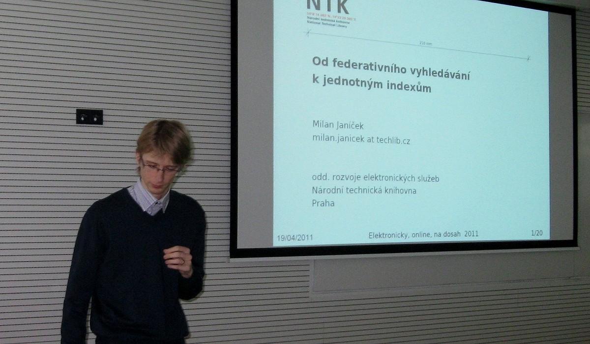 Milan Janíček představuje specifika federativního vyhledávání a jednotných indexů