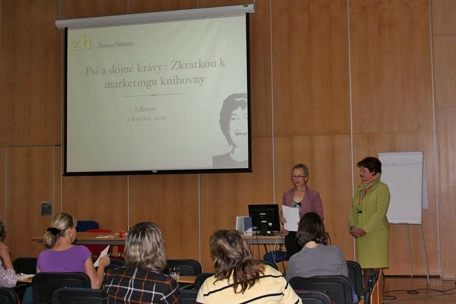 Zahájení semináře (zleva: B.Konvalinková a Z.Helinsky)