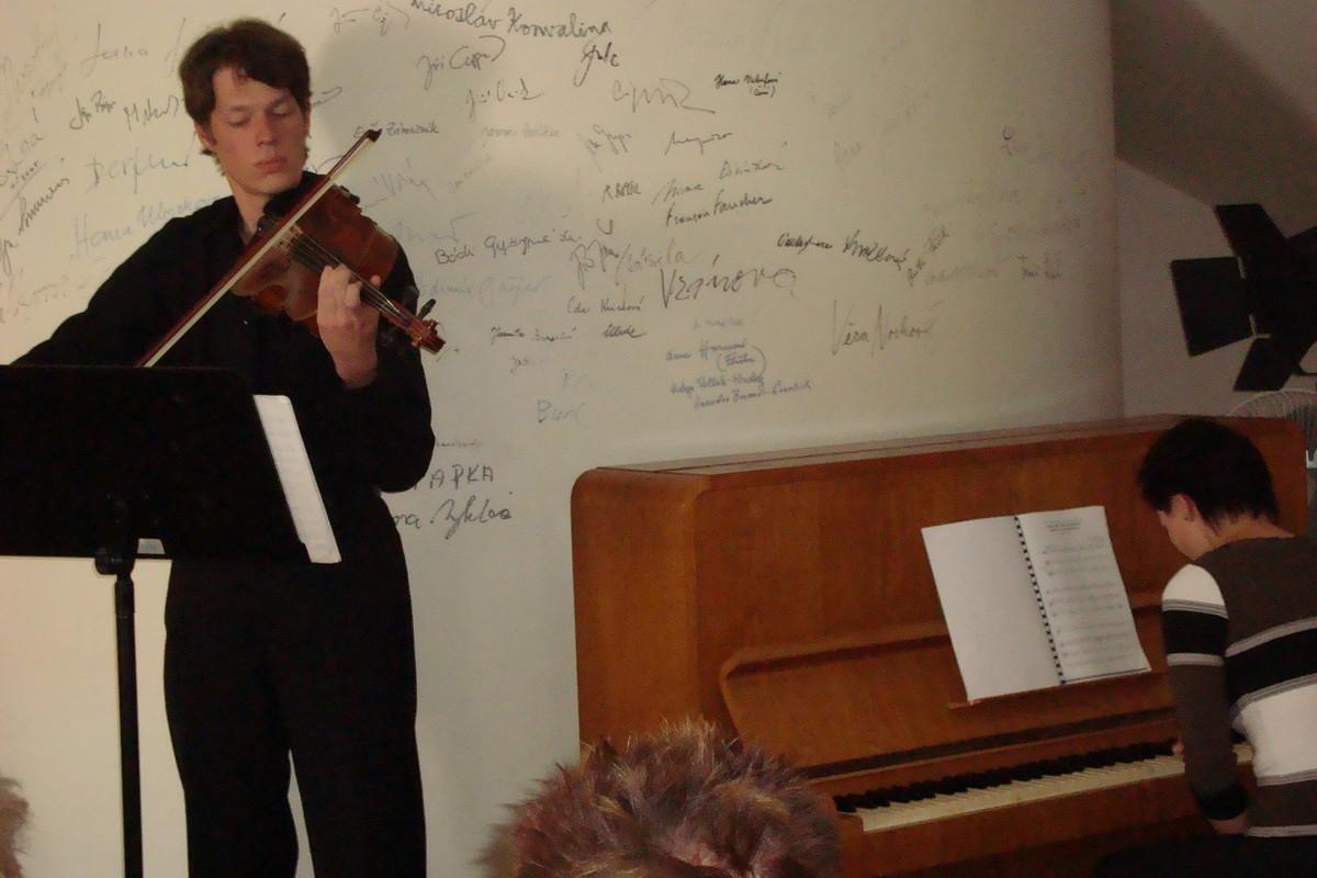 Miloš Bařinka a Jarmila Šranková - Sonáta pro violu a klavír