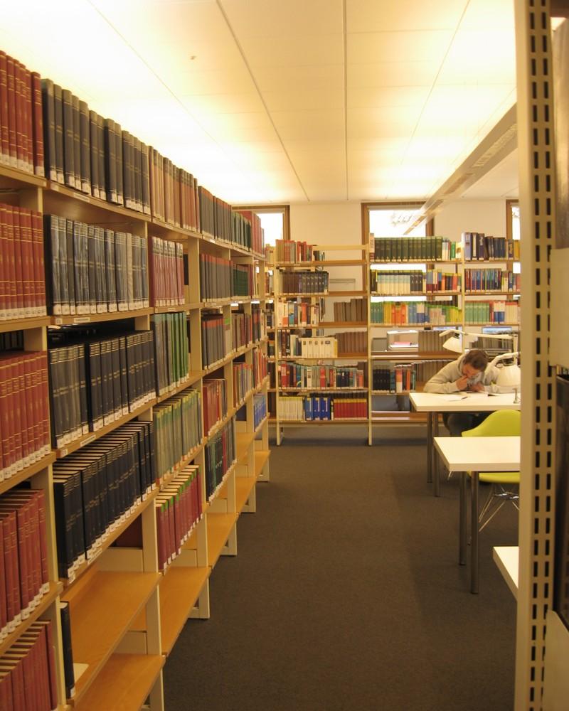 Zemská knihovna Dr. Friedricha Tessmanna