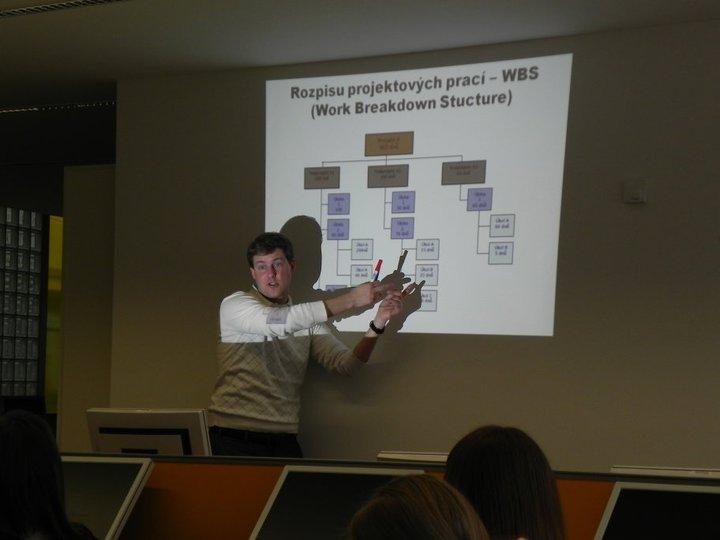 Obr.9: Petr Škyřík vysvětluje princip WBS