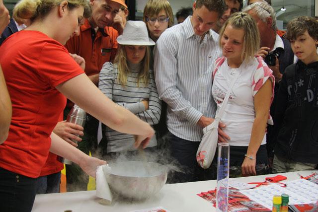 Příprava zmrzliny z kapalného dusíku