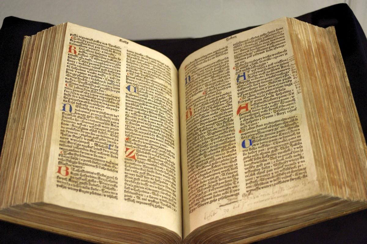 Vzácný exemplář Bible pražské