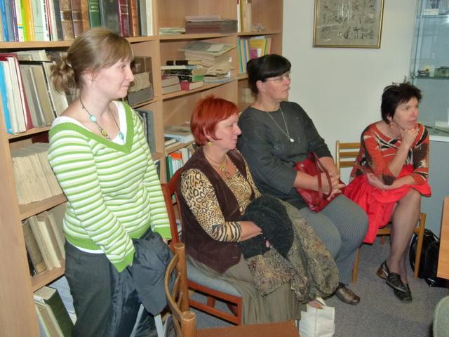 Účastníci exkurze ve Zdravotnickém muzeu