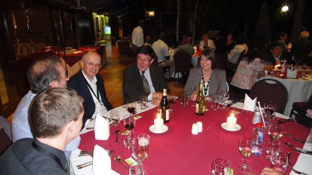 Neformální setkání při slavnostní večeři