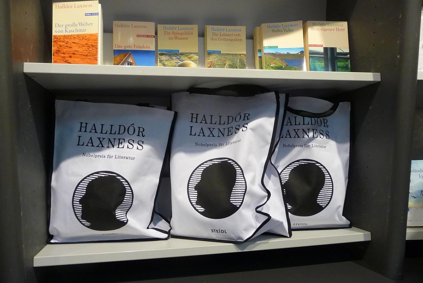 Monografie Halldóra Laxnesse, islandského nositele Nobelovy ceny za literaturu
