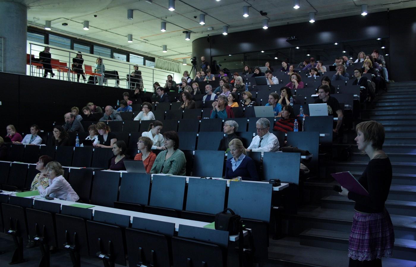 Ballingův sál Národní technické knihovny přivítal na letošním semináři hojný počet pracovníků z oboru. Návštěvnost semináře od roku 2008 vzrostla do roku 2011 o více než 50 %