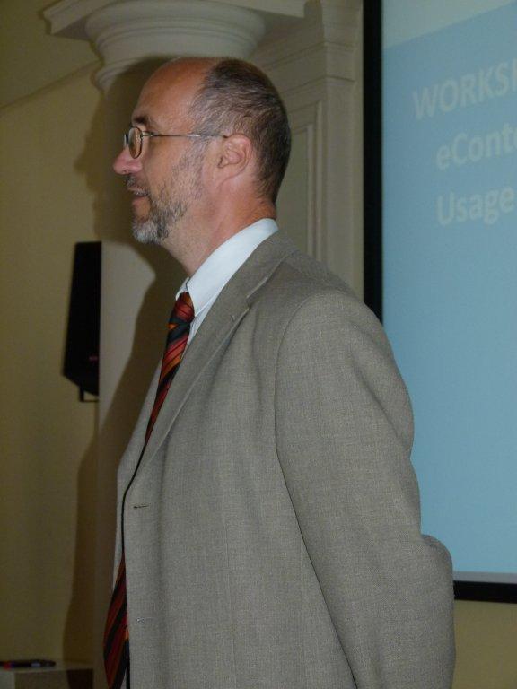 Vladimír Karen zahajující workshop