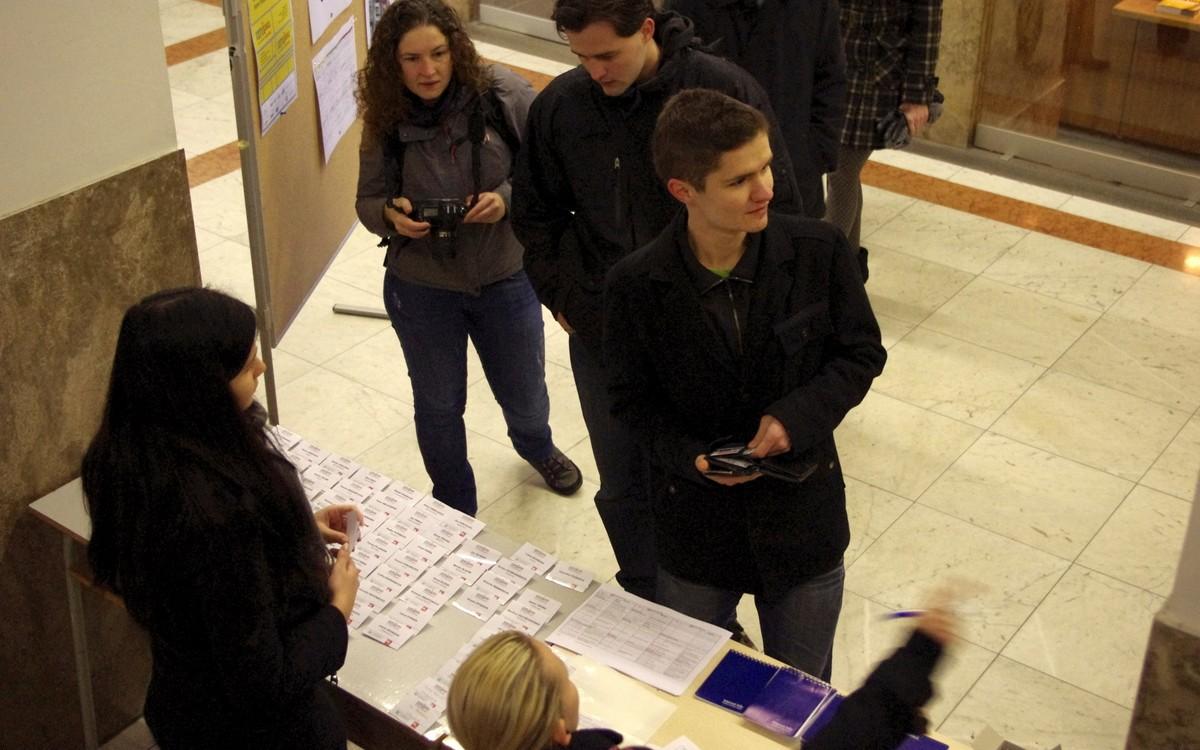 Registrace účastníků NMI 2012