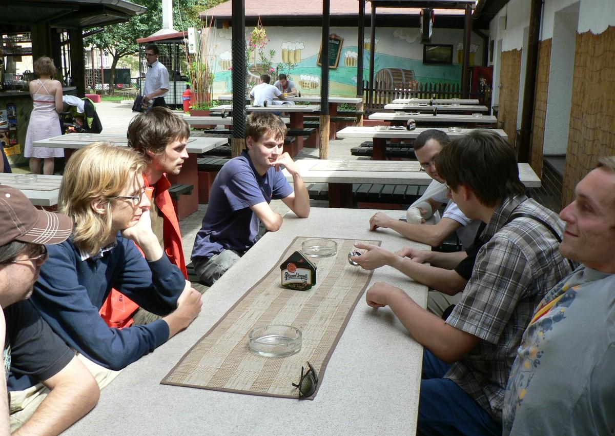 Účastníci workshopu se družili a řešili odbornou problematiku při každé vhodné chvíli