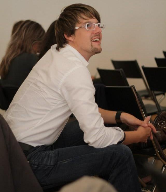 Pavel Šarbort sa pripravuje na prednášku