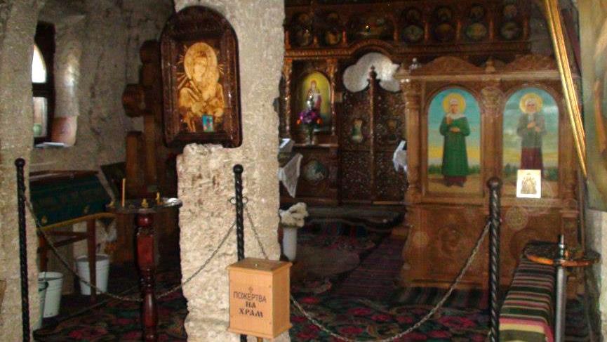 Oltář v jeskyni mnichů