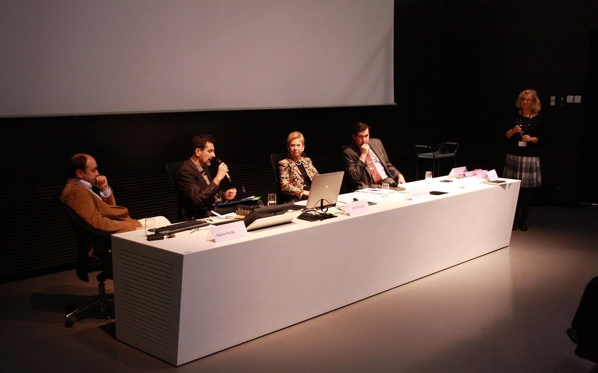 Téma panelové diskuse korespondovalo s hlavním tématem semináře