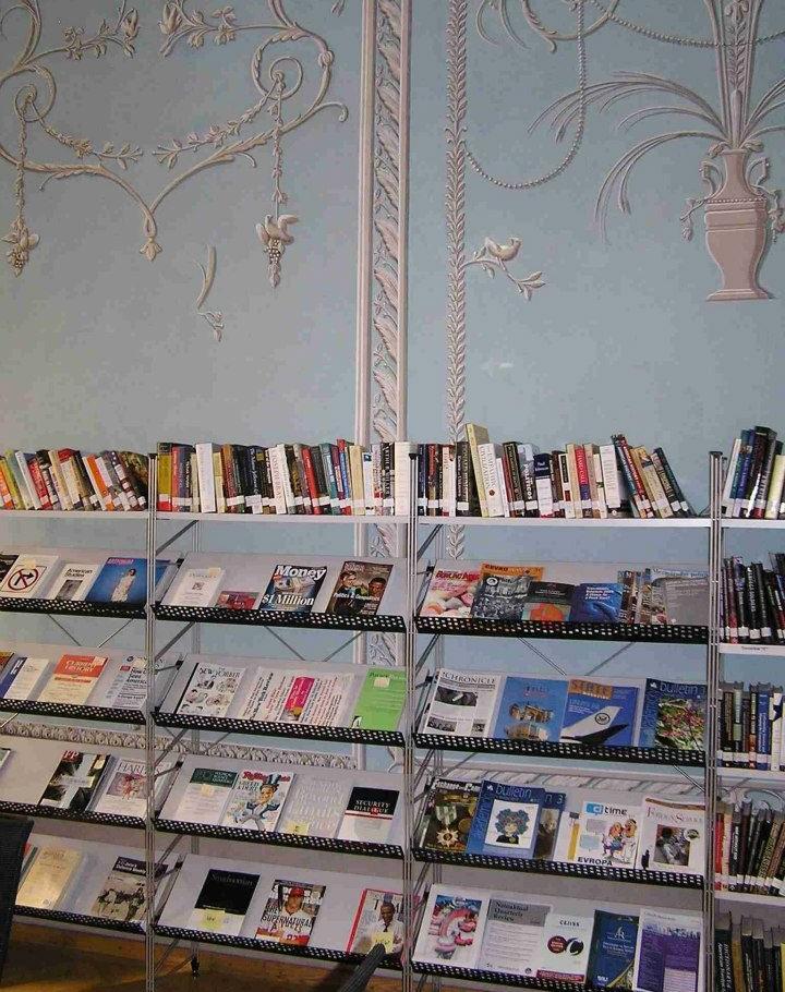 Prohlídka interiéru knihovny
