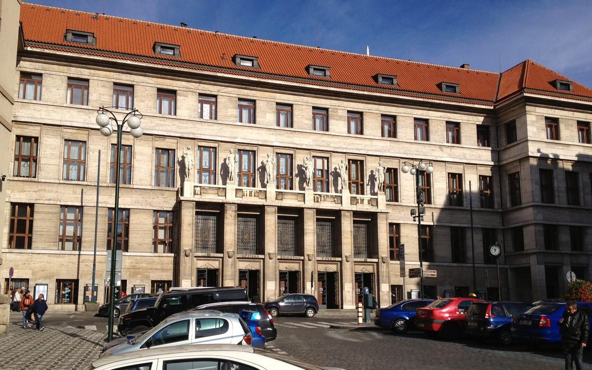 Ústřední knihovna sítě Městské knihovny v Praze
