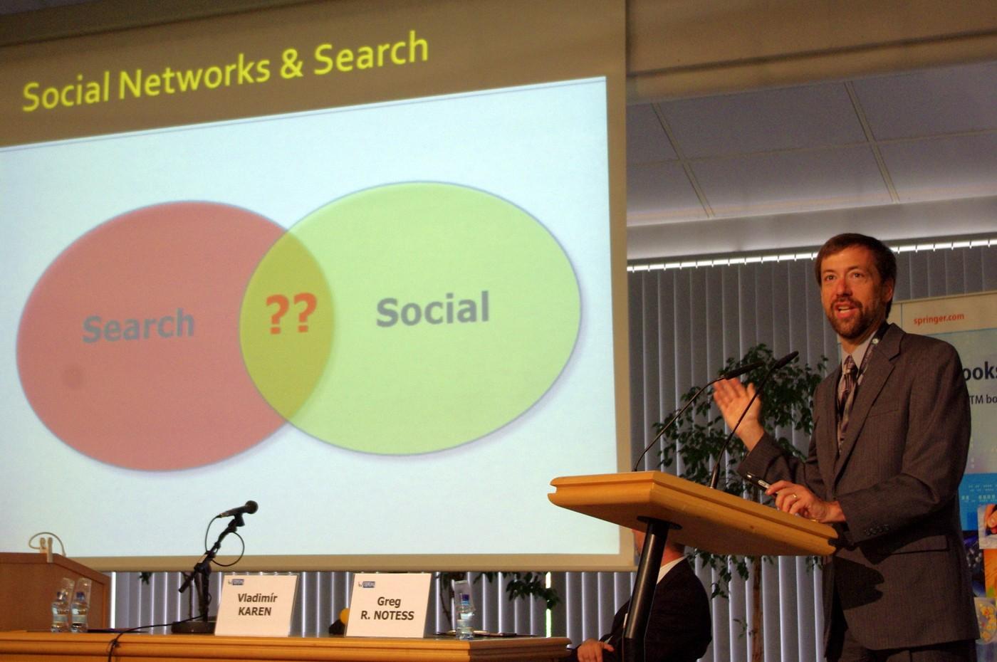 Profesor Notess hovoří o vyhledávání v sociálních sítích