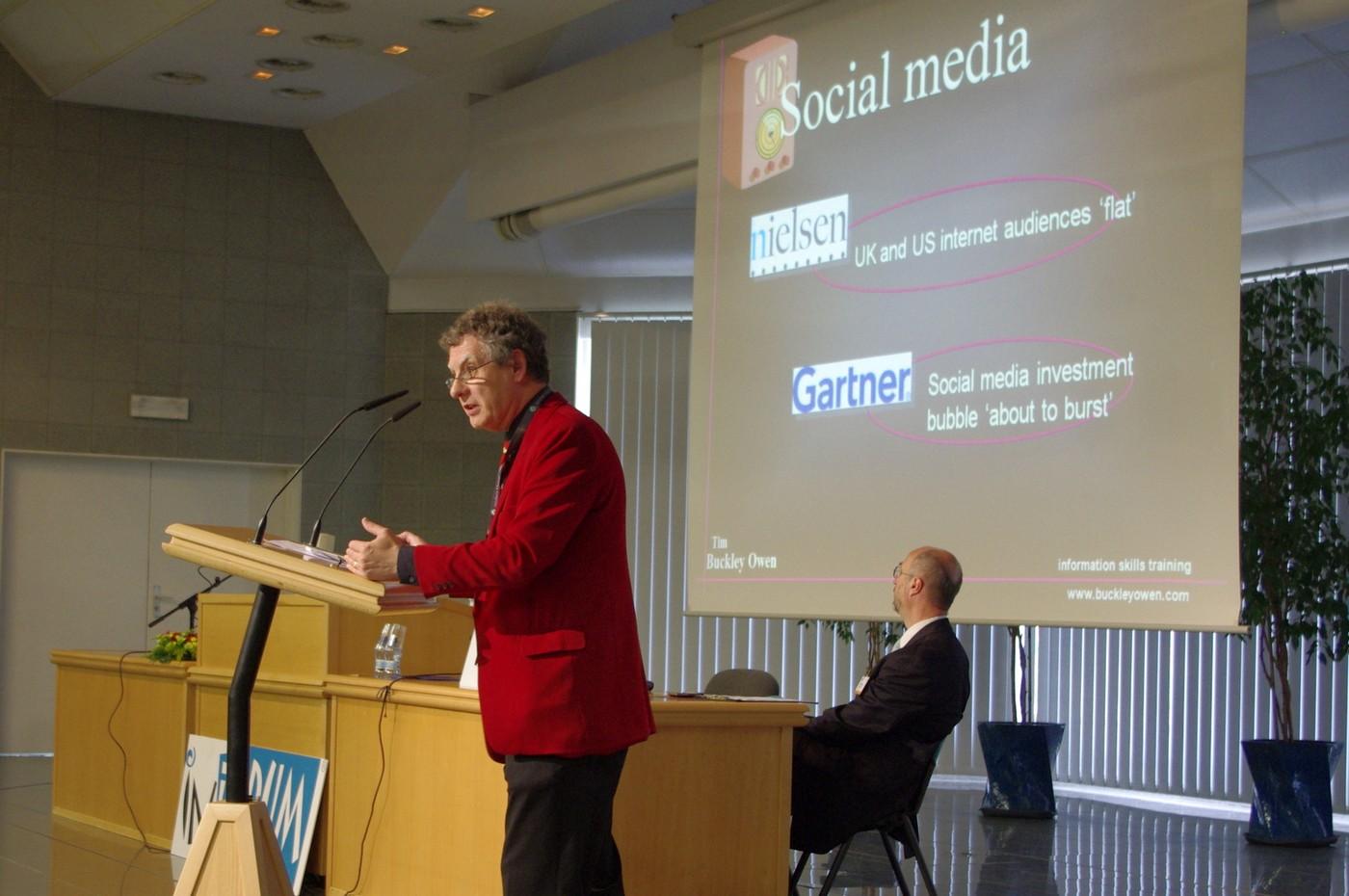 Nezávislý informační komentátor Tim Owen a sociální média