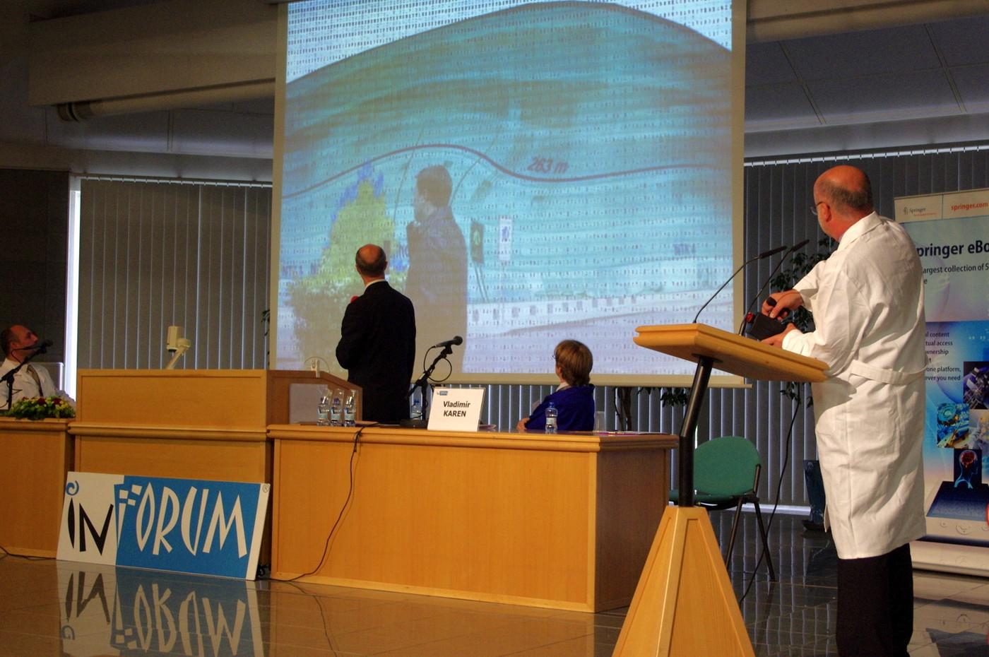 Televizní přenos zachycuje zmizení Národní technické knihovny