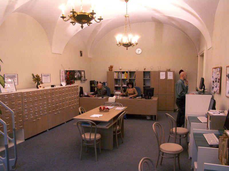 Uživatelé knihovny najdou vše potřebné v klenutých prostorách honosného paláce