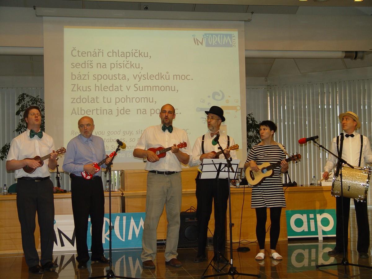 Hudební skupina AiP UkuleleBand