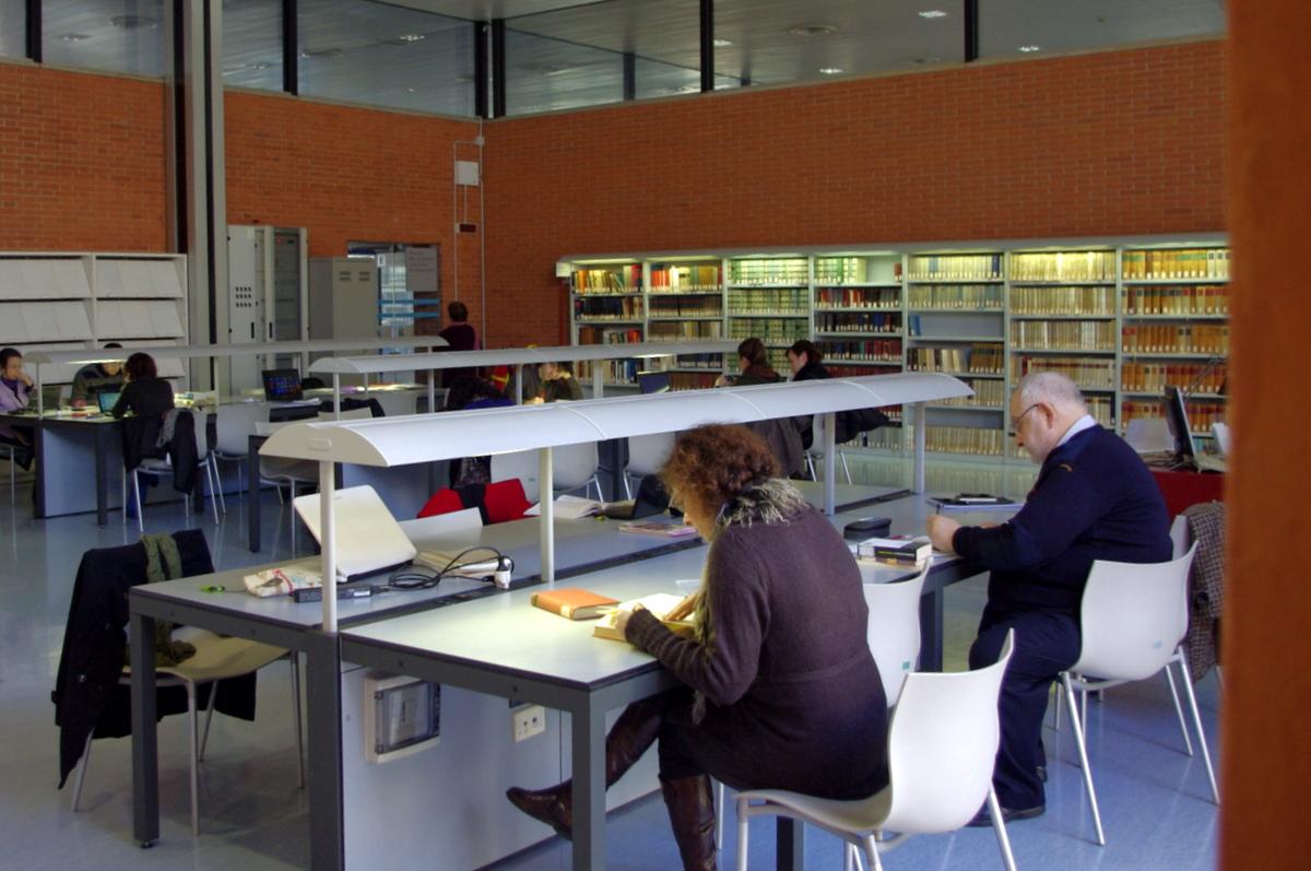 Vzácné historické dokumenty v lingvistickém oddělení