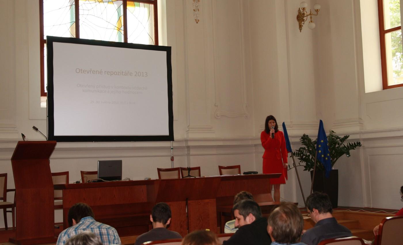 Zahájení semináře, v popředí Pavla Rygelová