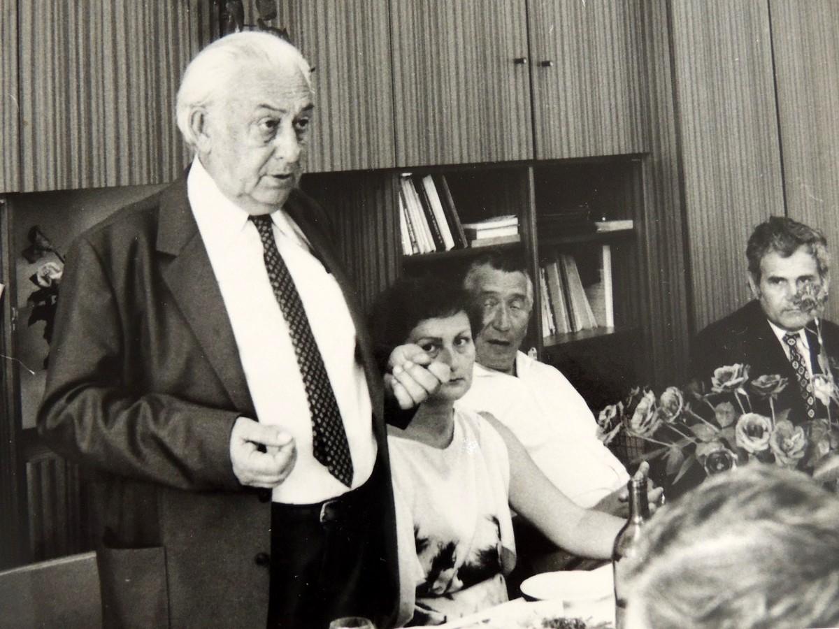 Prof. Štefan Pasiar skolegami na Katedre knihovedy avedeckých informácií