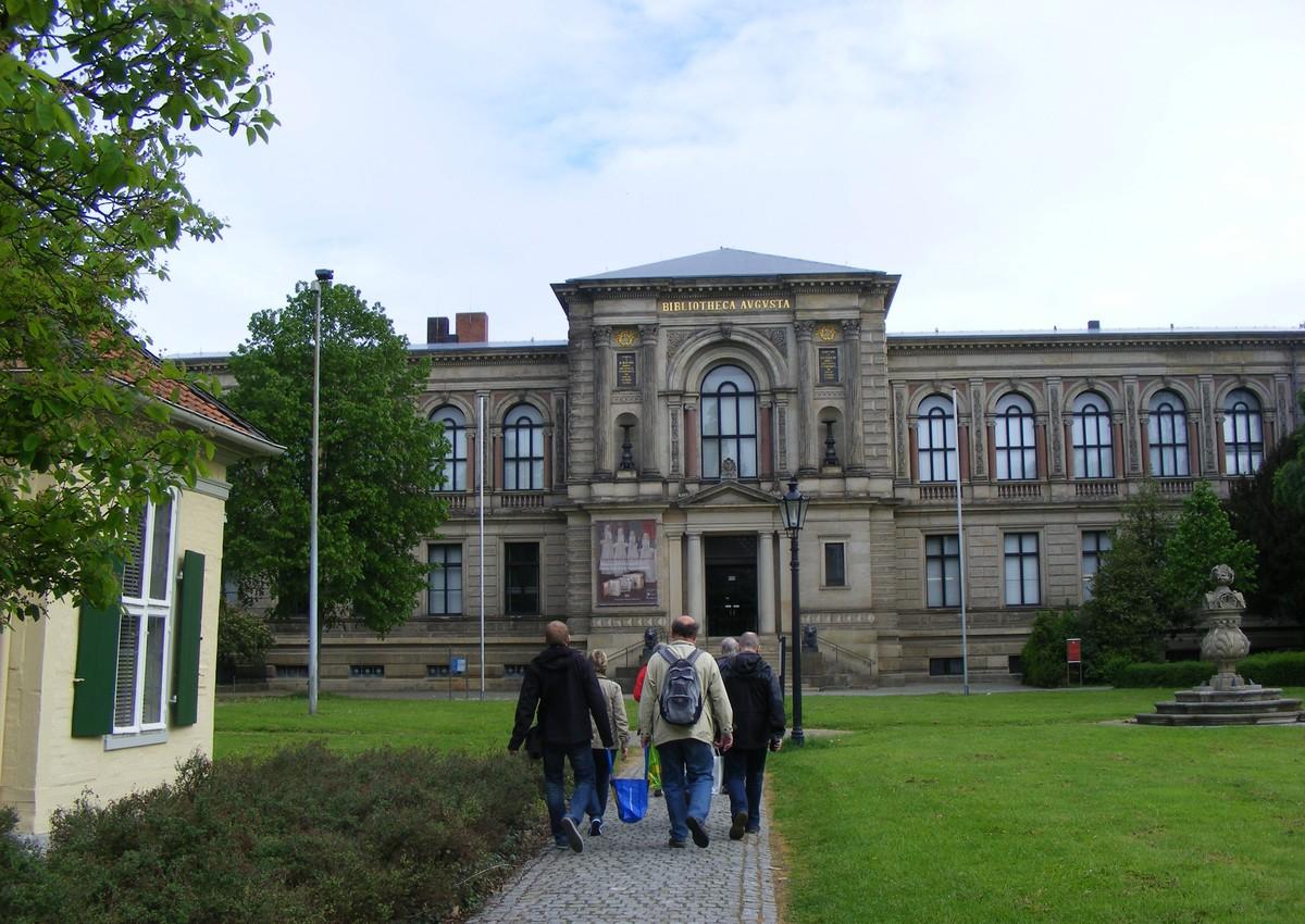 Příchod do knihovny vévody Augusta ve Wolfenbüttelu