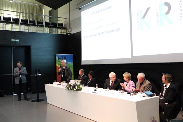 Konferenci KRE 13 uzavřela panelová diskuse