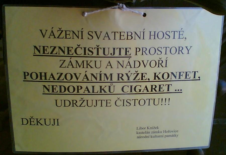 Cedule na zámku Hořovice