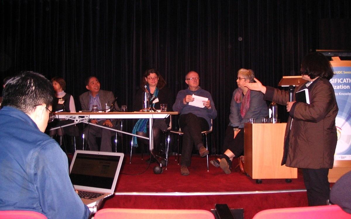 Závěrečná panelová diskuse