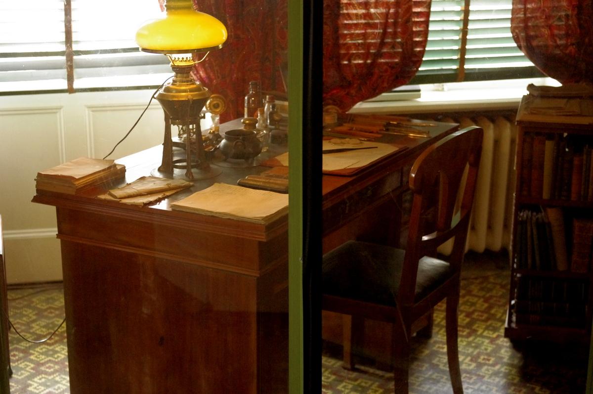 Strindbergův psací stůl