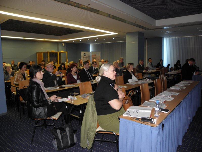 Návštěvníci konference Medtel v pražském hotelu Clarion