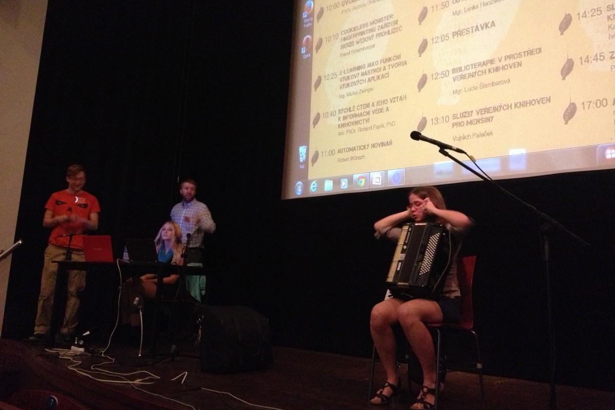 Koncert vlastní tvorby na akordeon v podání Ester Kolářové