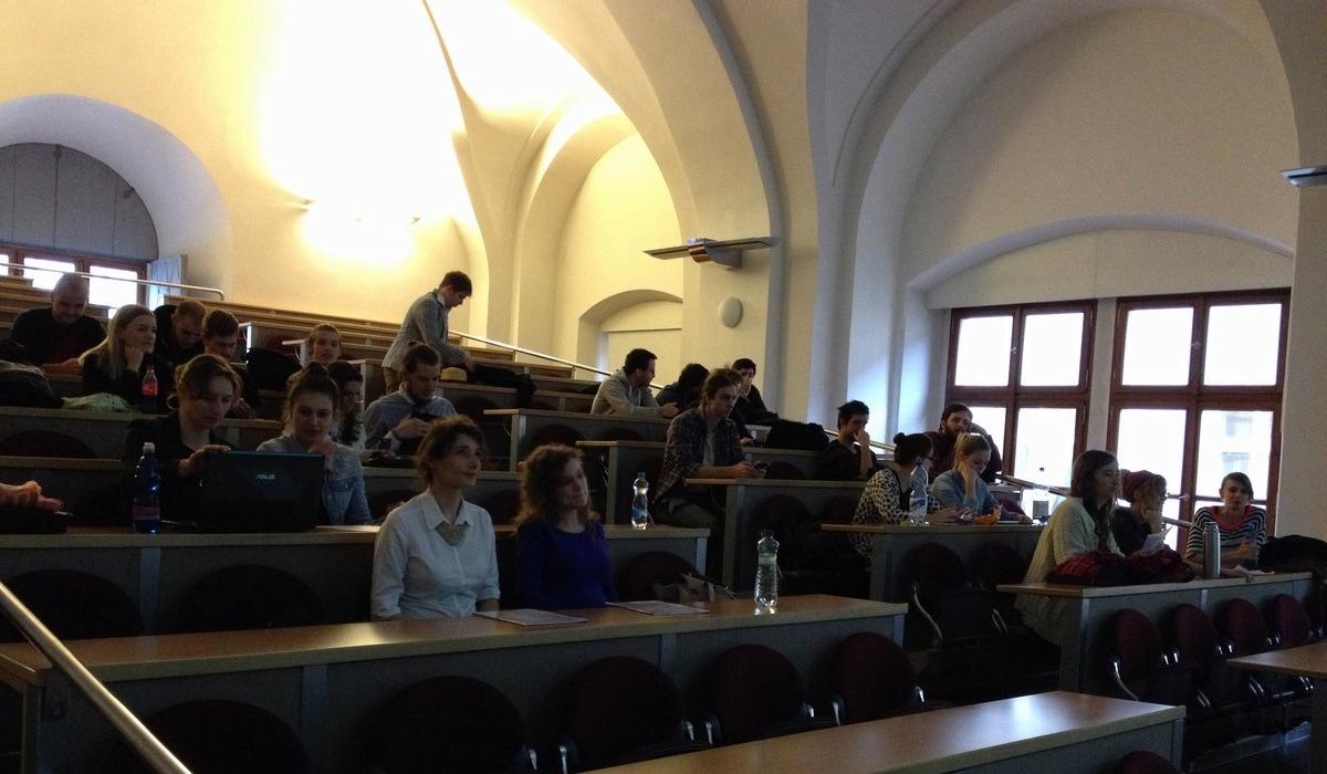 Účastníci kurzu Video Games as a Sociocultural Phenomenon