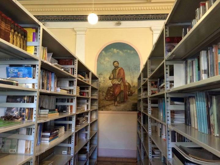Jedna z fresek v interiéru knihovny